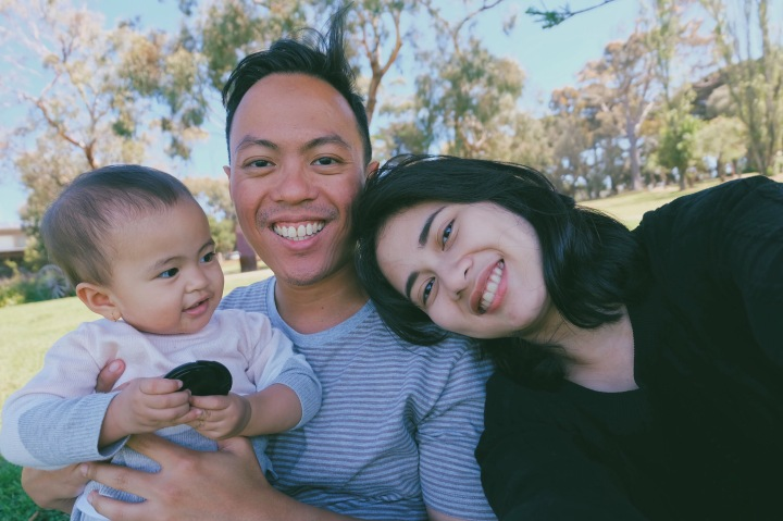Family selfie di Churchill Island, Australia