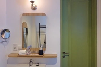 Powder room, Executive Suite, Hotel Monopoli Kemang