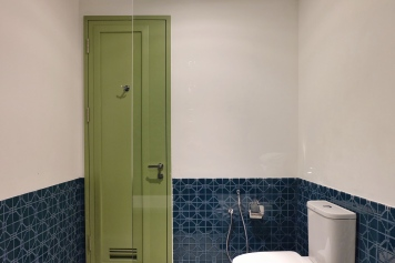 Main bathroom, Executive Suite, Hotel Monopoli Kemang
